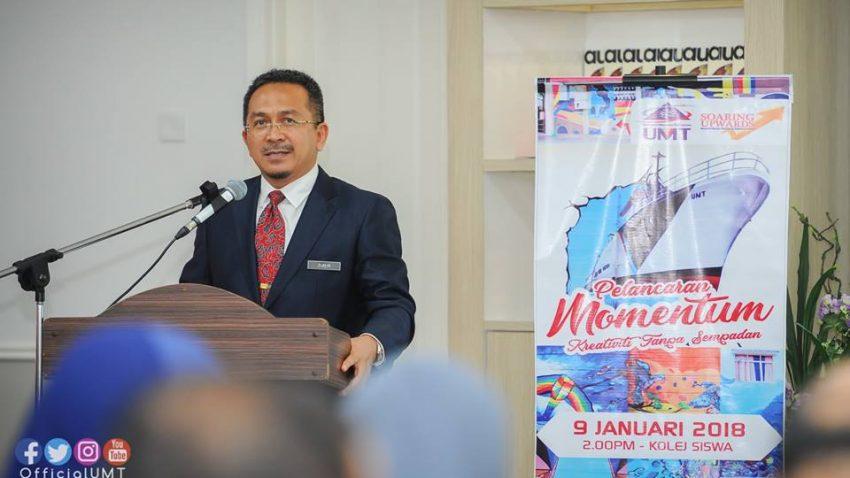 PELANCARAN BUKU MOMENTUM @ DEWAN IRFAN, KOLEJ SISWA | Kuala Terengganu | Terengganu | Malaysia